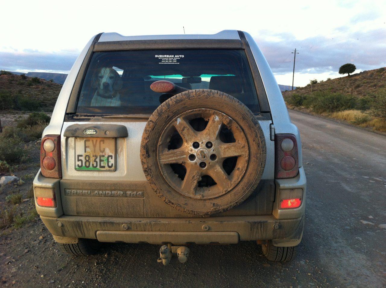 Der Land Rover vor der Wäsche