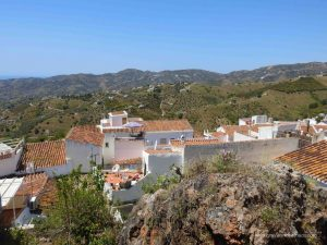 Frigiliana is voted prettiest village in Andalusia. Laying a few hundred meters above the Mediterranean sea at a steep slope it overlooks the Costa del Sol.