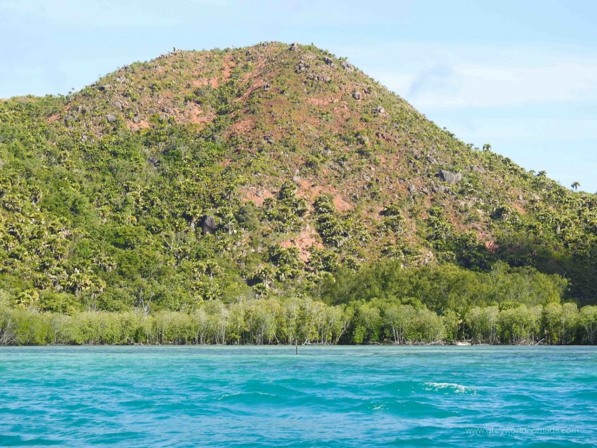 praslin boat tours, curieuse marine national park