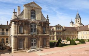 Visit Cluny France, between the vines of beautiful Burgundy. A medieval town with the impressive Cluny Abbey and church, widely influential in Europe in its time. An ideal starting point for further explorations in Burgundy France.