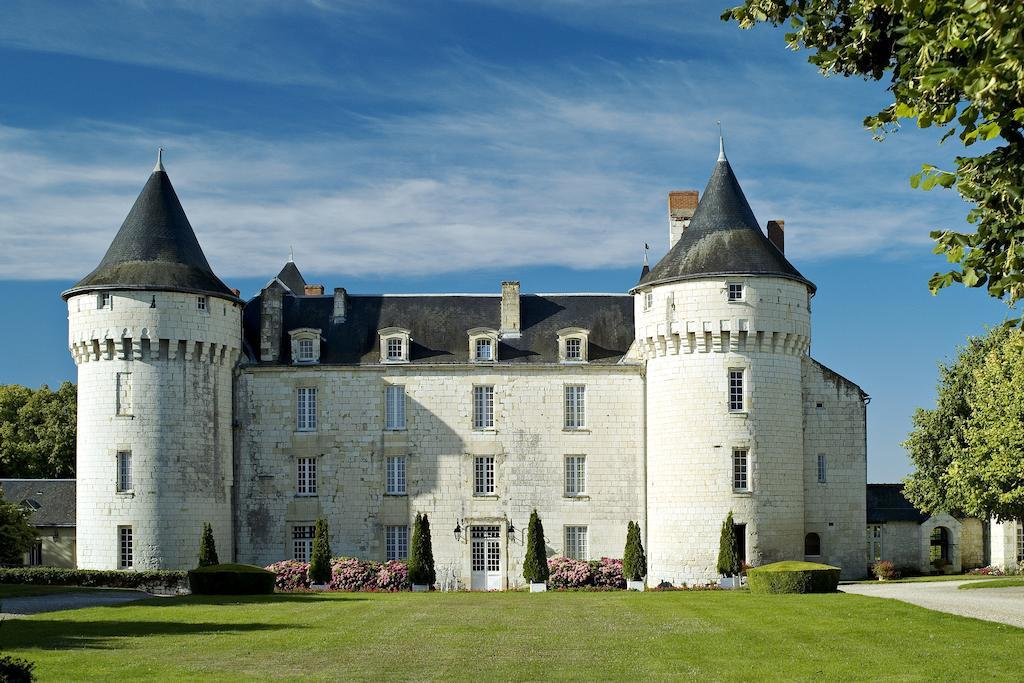 Chateau de Marcay: castles to stay in Loire Valley France. Castle Holidays, France 's romantic past at your doorstep. Stay in a Castle in Loire Valley France. loire valley chateaux hotels. loire valley castle hotels. castles to stay in loire valley france.