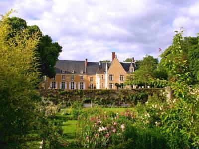 Chateau de la Barre - Stay in a Castle in Loire Valley France. loire valley chateaux hotels. loire valley castle hotels. castles to stay in loire valley france.