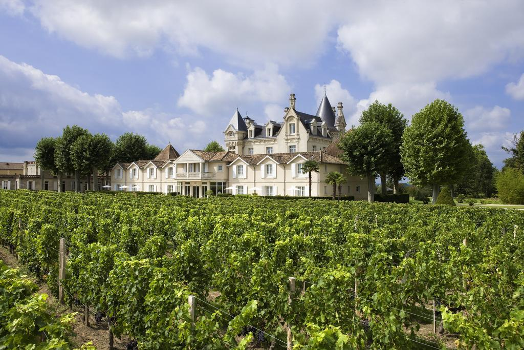 Chateau Grand Barrail, chateau accommodation bordeaux
