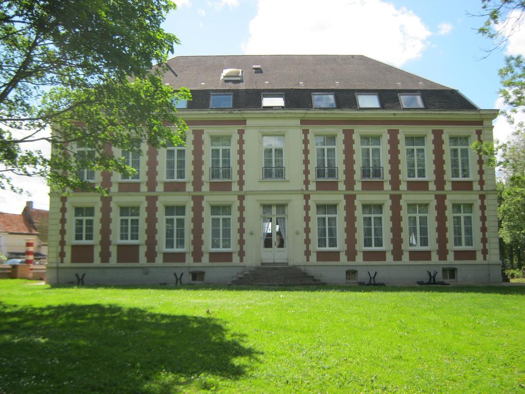Chateau de Moulin le Comte - Castle Accommodation France