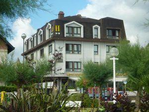 Hotel Ezeiza, San Sebastiàn, Spain